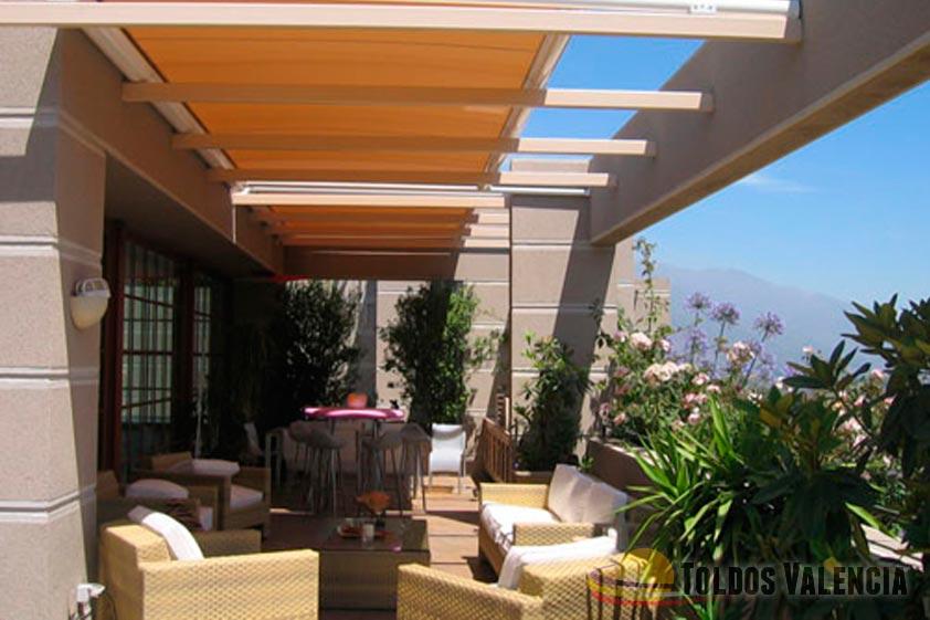 Toldo veranda toldos valencia for Perfiles para toldos